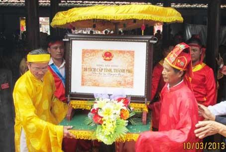 Nhà thờ họ Nguyễn Duy - Nghệ An hình thành trên 500 năm đón Bằng di tích Văn hóa cấp tỉnh