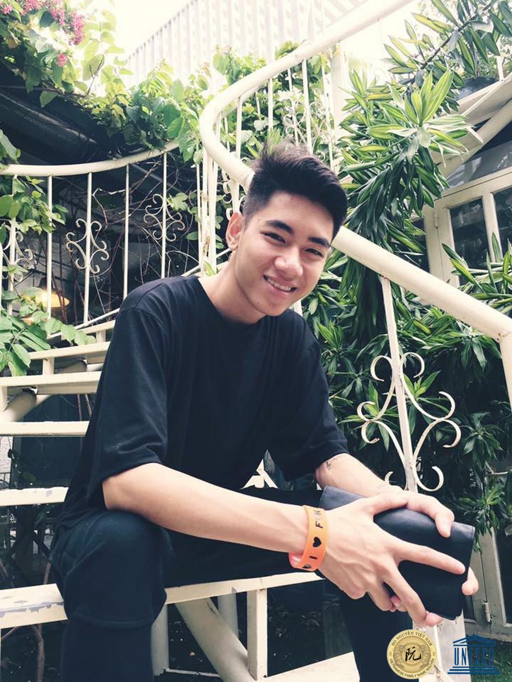 """"""" Thánh chơi đàn """" Nguyễn Bảo Khánh K-ICM"""